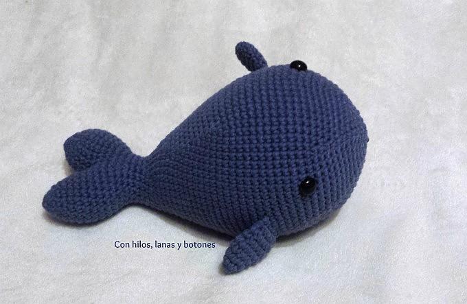 Con hilos, lanas y botones: Shamú, la ballena azul