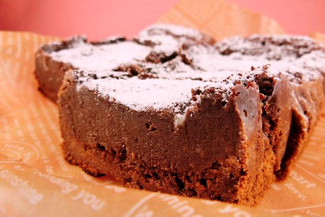 オーブントースターで生チョコとろ~りの濃厚チョコレートケーキ作り!