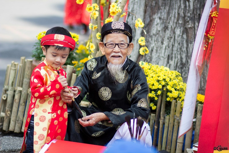 Foreigners and Vietnam's traditional Tet holiday 1