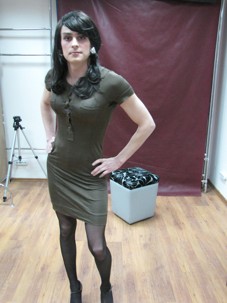pictures men crossdressing