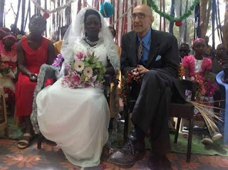 شاهد بالصور : زواج  دكتور امريكي من سودانية بجبال النوبة