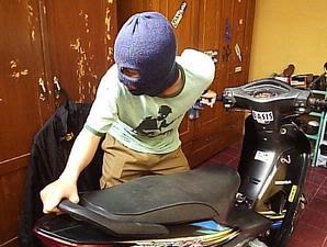 mencuri motor Maraknya Pencurian Sepeda Motor Di Kecamatan Aek Nabara Barumun Saat Ini........