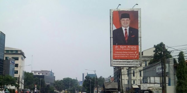 Ngimpi Di Siang Bolong! Politisi Bendum Bang JAPAR Ini Akan Hapus Utang Indonesia dan Gratiskan Umroh Untuk Seluruh Rakyat yang Memilih di Pilpres 2019....