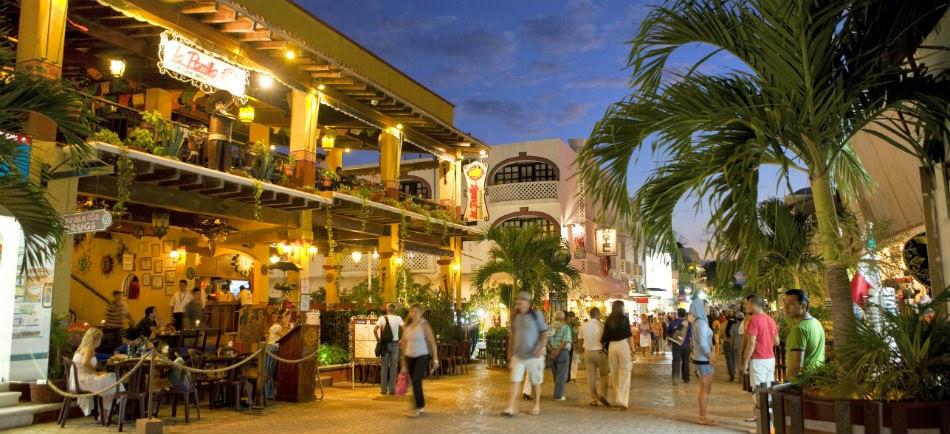 La ciudad se encuentra entre Tulúm y Cancún y es el punto de partida para  conocer playas 6c76dc460b7
