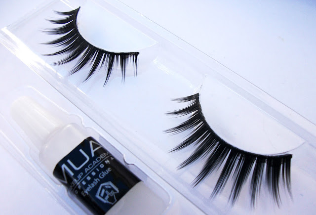 Perfect winged lashes: MUA full on volume false lashes in Vixen