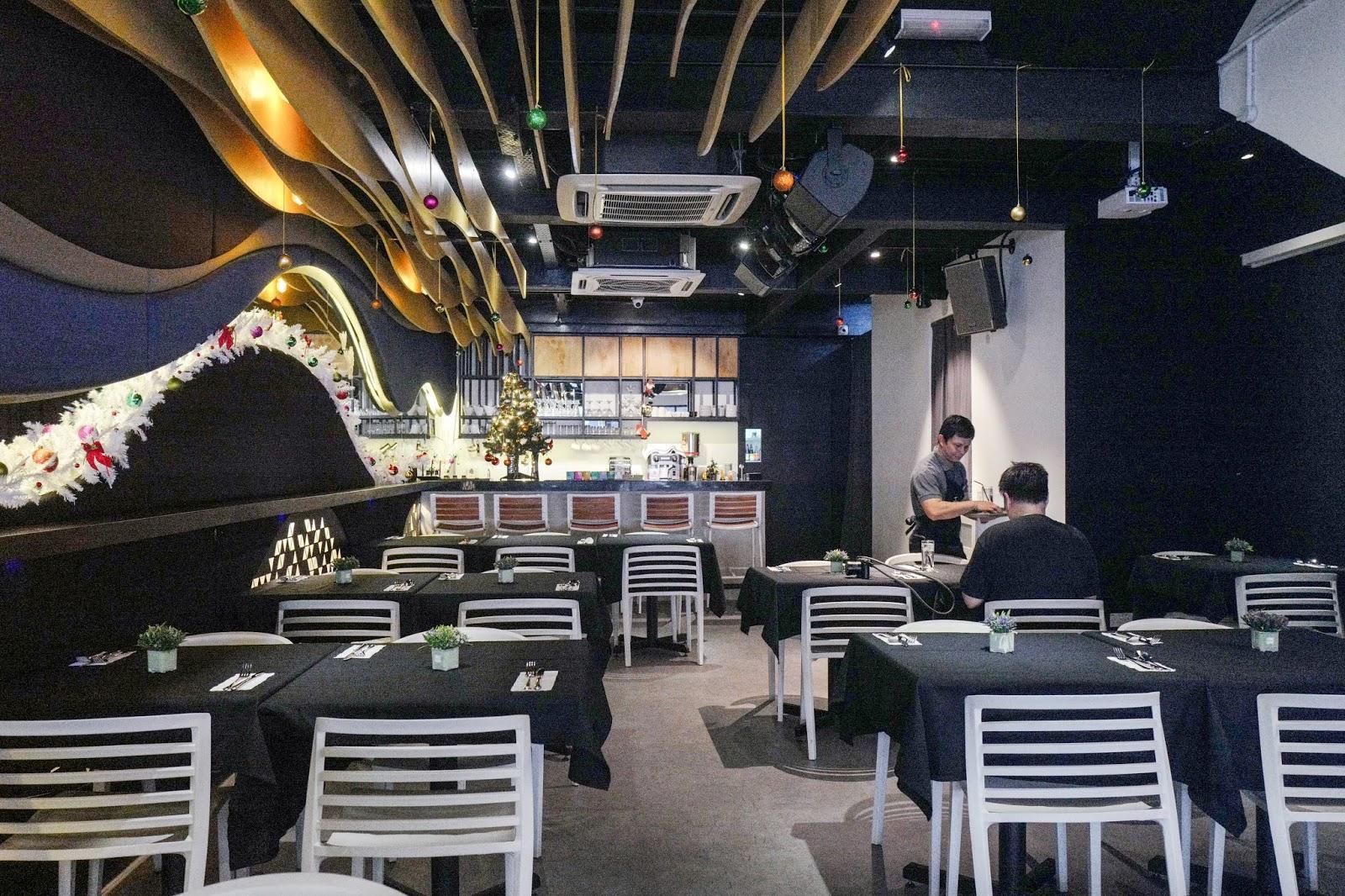 Jerry G's, Bukit Damansara