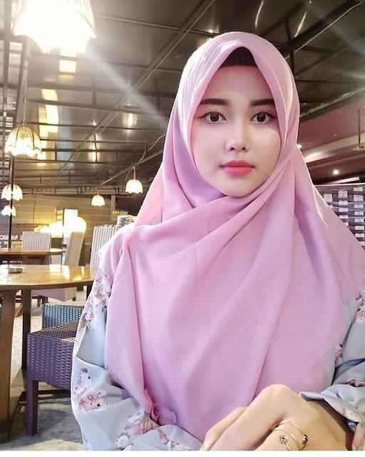 Hijab Untuk Gamis Maroon