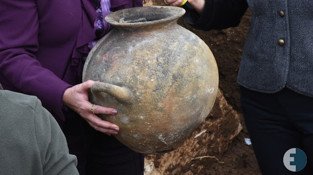 Intact 7th century Etruscan chamber tomb unearthed at Vulci