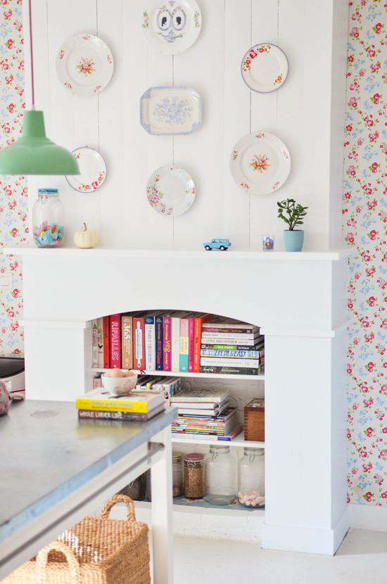 Floral wallpaper in the amazing home of  Yvonne of The Yvestown Blog.