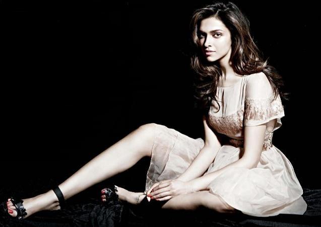 SPICY UPDATE: Deepika Padukone Latest Sizzling Hot ...  SPICY UPDATE: D...