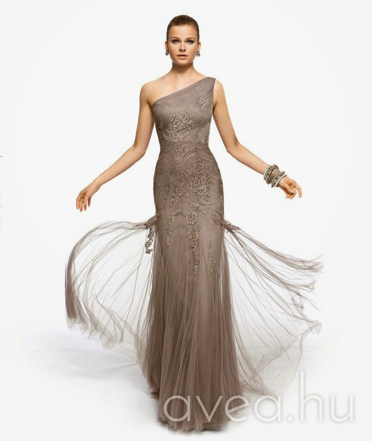 42a39a7482 20 év felett bármilyen csinosabb nyári ruha megteszi. 30 felett egy alkalmi  ruha boleróval, akár zakóval is elmegy, 40 felett már érdemes lehet  beruházni ...