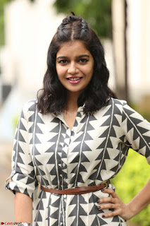 Swathi Reddy Looks super cute at London Babulu theatrical trailer launch ~  Exclusive 038.JPG