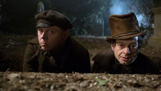 """[RECENSIONE] """"Burke & Hare"""": se i morti finiscono bisogna... """"farli""""."""