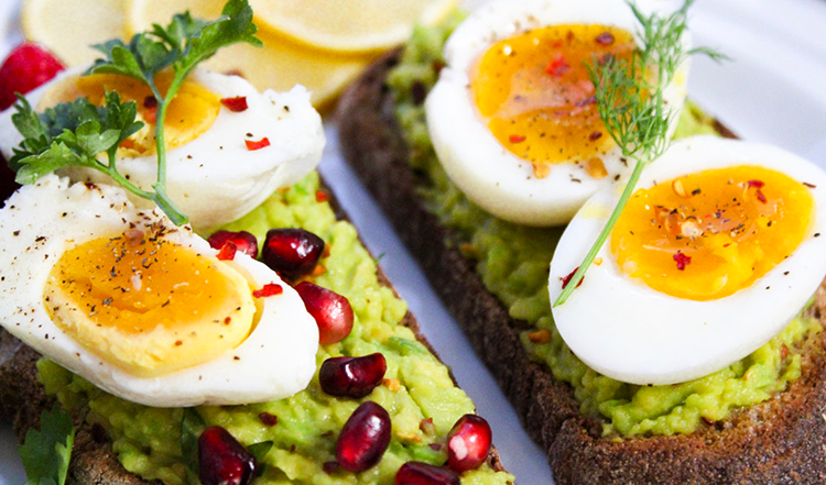 The 7 Amazing Healthy Benefits of Eating Eggs