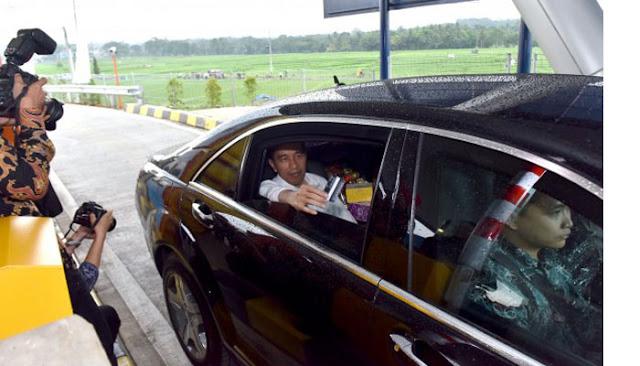 Heboh, Mobil Wanita Salip Konvoi Kepresidenan sambil Meludah dan Acungkan Jari Tengah