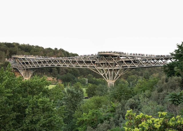 El puente Tabiat en Teherán