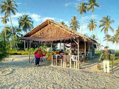 Pagi di Pulau Palambak