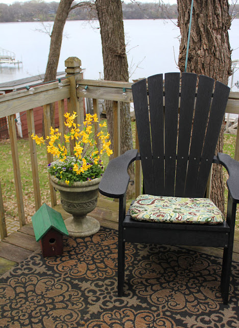 Sprucing Up The Deck from Itsy Bits And Pieces Blog