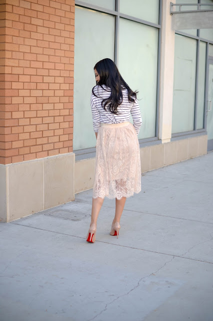 Gozon Lace Midi Skirt