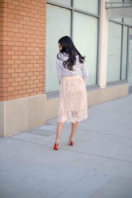 Gozon Lace Midi Skirt