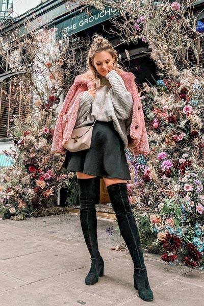 21 Fall Clothing Ideas That are Anything but Boring | Knitted Jumper + Teddy Fur Bomber Jacket + Stuart Weitzman Boots + Circular Skirt