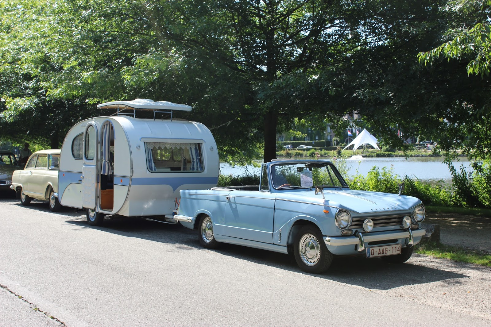 yvonne mostard benjamin vintage caravan. Black Bedroom Furniture Sets. Home Design Ideas