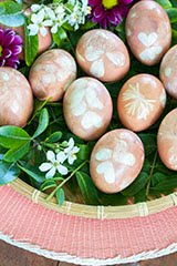 My 30-Minute Naturally-Dyed Easter Eggs