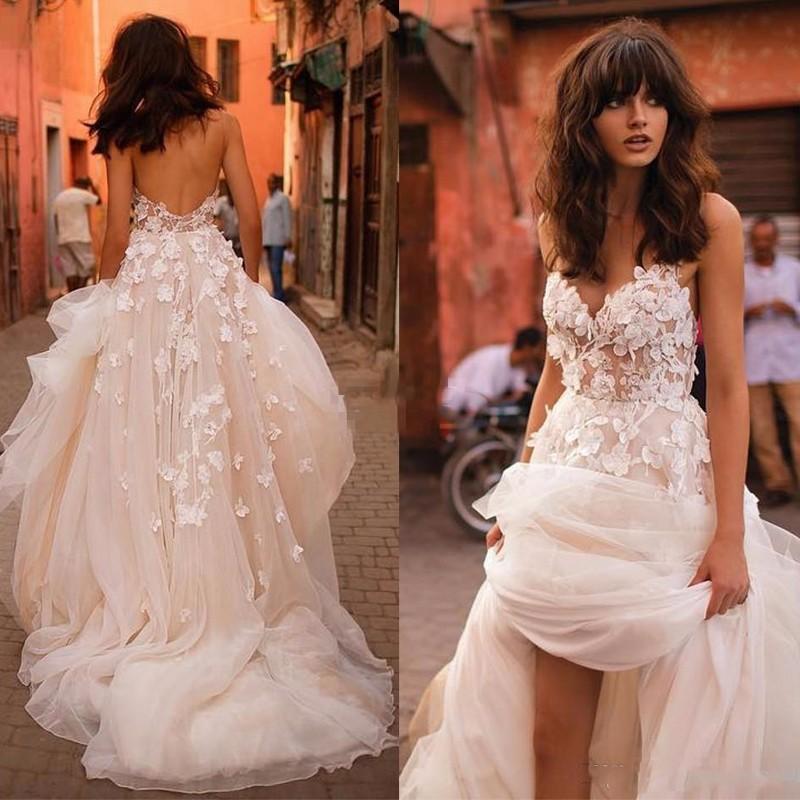 http://www.babyonlinedress.fr/g/robe-feerique-de-fleurs-forme-princesse-col-en-v-tulle-traine-longue-robes-de-mariee-dentelle-avec-appliques-107483.html?home-p2.2-2i