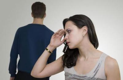 Τα 10 χειρότερα λάθη των γυναικών που απωθούν τους άντρες!!
