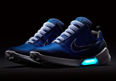watch fb306 ab1c0 The latest colorway of Nike s revolutionary HyperAdapt 1.0 is set to hit  stores this weekend. The power-lacing sneaker will arrive with a mesh upper  ...