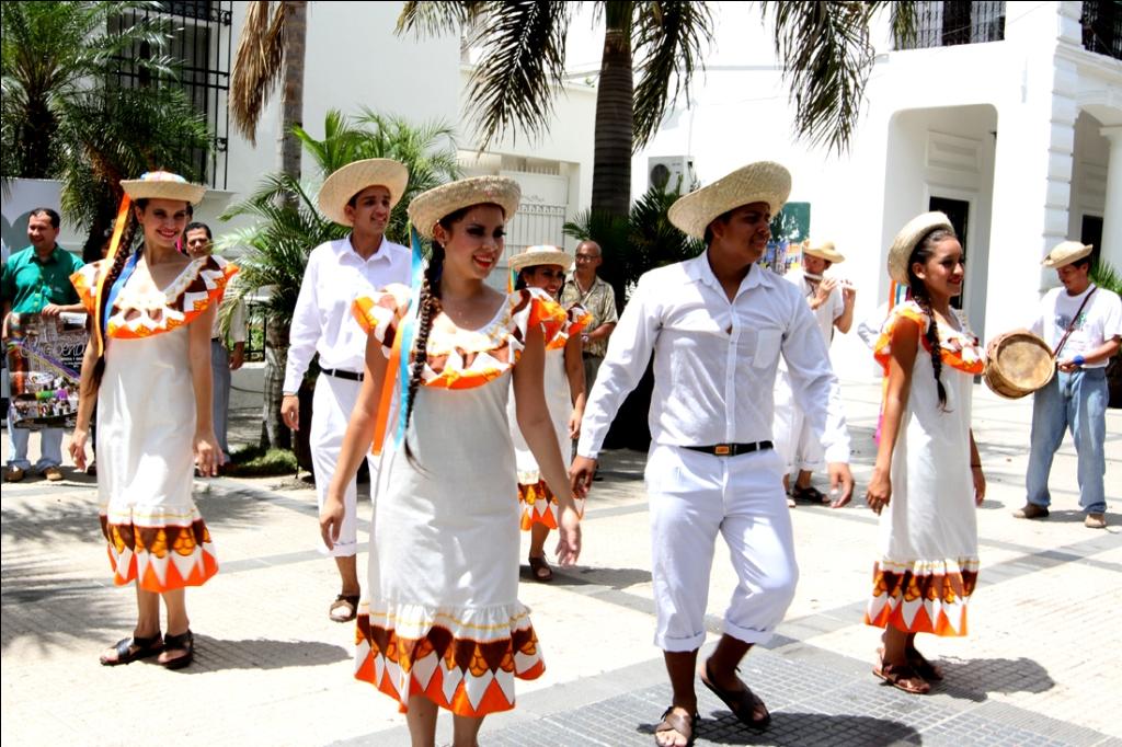 bdff041436 Danzas Bolivianas   Bolivian Dance