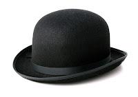 Siyah bir melon şapka