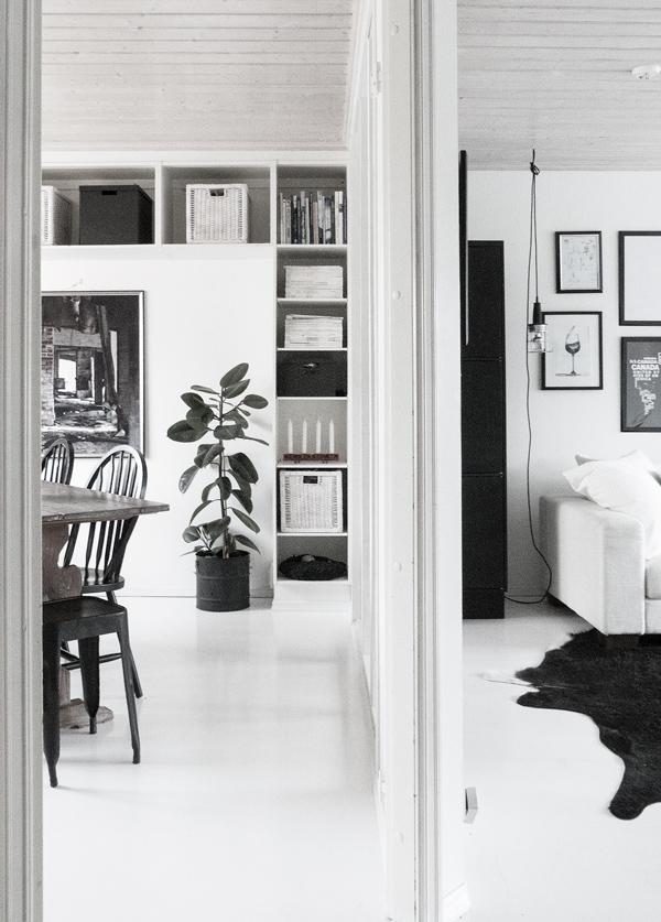 Maalattulaminaattilattia, valkoinen lattia, joulu, musta valkoinen koti, koti, vaalea koti,
