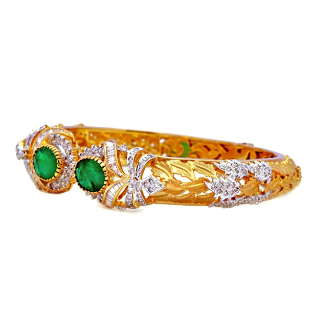 Green Sparkle Enmeshed Leaf Bracelet- NR 2,04,000