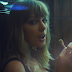 "Taylor Swift quer te provar que é divertida e bebe todas no clipe de ""End Game"""