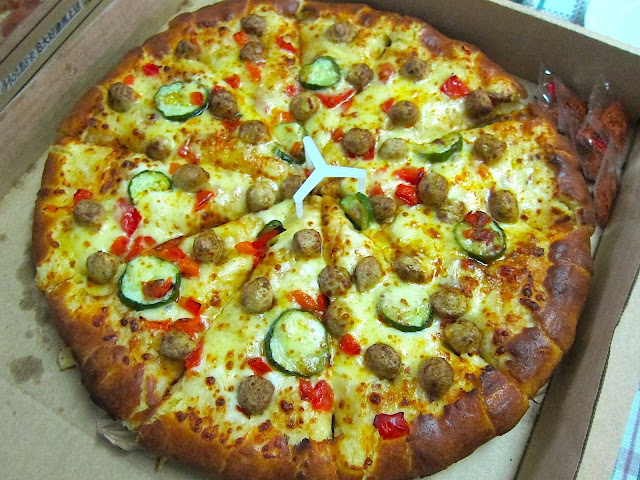 絲黛小姐 S: 【連鎖 / Pizza Hut必勝客】花招百出。但我還是愛正統義式薄皮