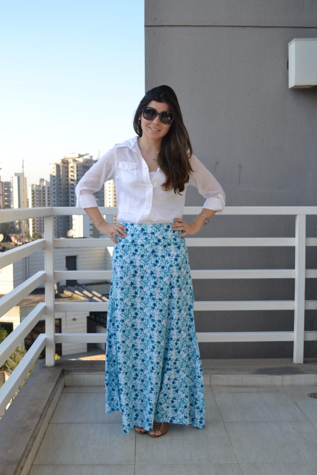 745419aa11 Meu Look  Saia Longa Estampada + Camisa