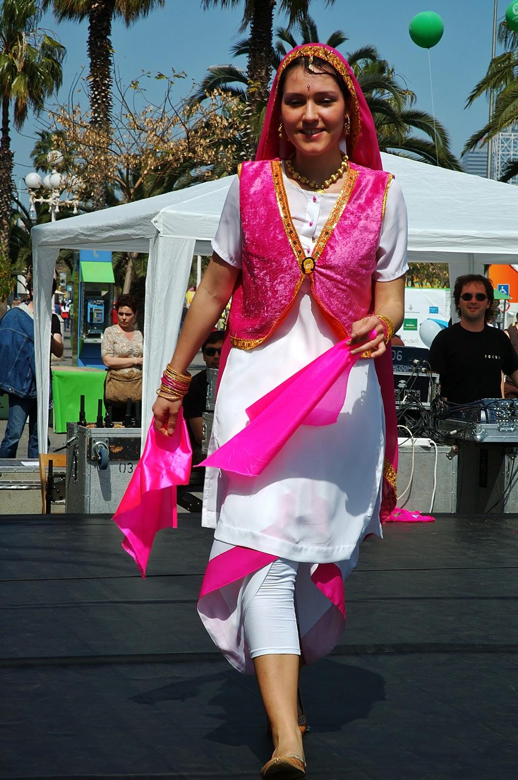 Punjab Di Mitti: Punjabi Traditional Dresses & Accessories