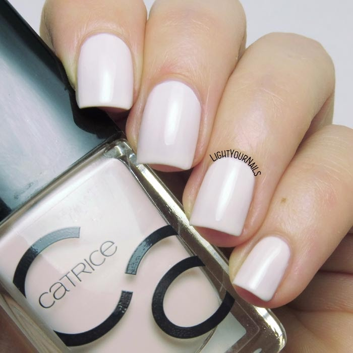 Smalto rosa pastello Catrice ICONails 23 Nice Cream pastel pink nail polish #catrice #catricecosmetics #lightyournails #nails #unghie