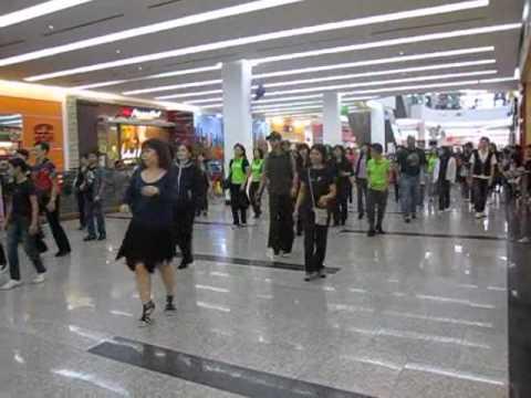 Menikmati mall di kuching, Sarawak, Malaysia