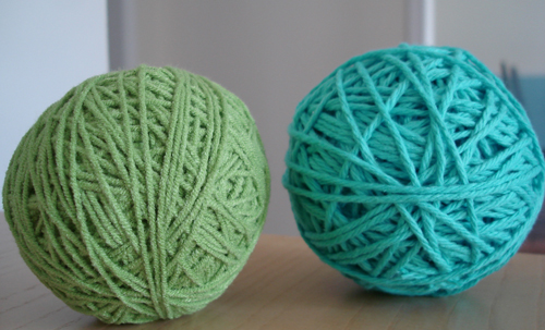 yarn balls decorating