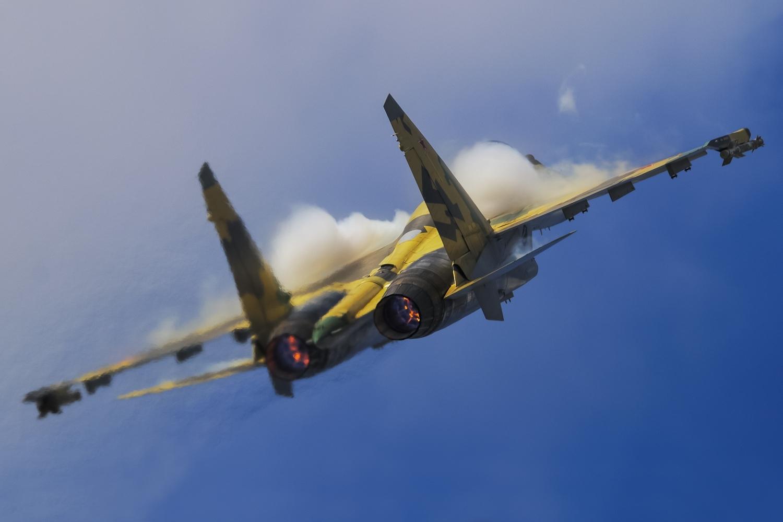 Smokey Russian Air Force Sukhoi Su-35 Aircraft Wallpaper 3952