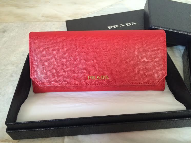 62f5d1d88809 ... sale authentic 100 brand new prada saffiano corner wallet 63a09 f82b5  ...
