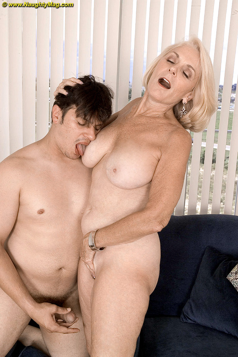 Black cock huge penetrating pussy shaved
