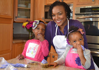 Michigan Gluten Free Baker Nikki Thompson with family
