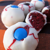 Halloween Dessert Ideas: Eyeball Cake Balls