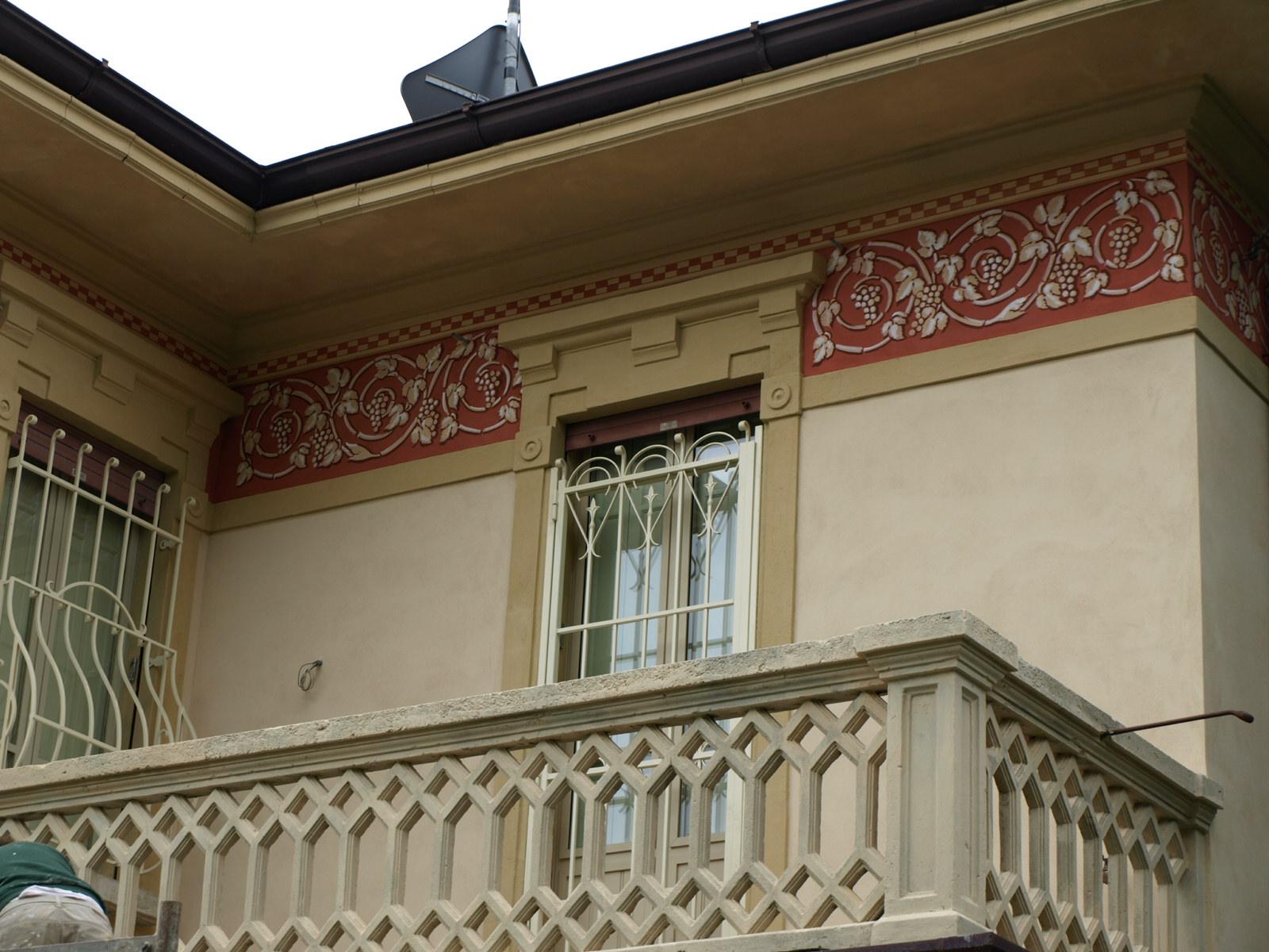Laboratorio del colore decorazioni e tinteggi interni esterni for Decorazioni per casa