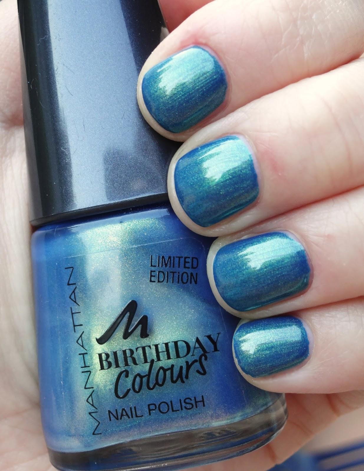 Pretty Clover Beautyblog Nagellack blau