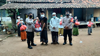 Terdampak Covid-19, Keluarga di Perum Sukatani Rajeg terima Bansos dari Polresta Tangerang