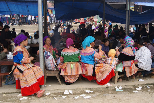 Travel Tips: Shopping in Sapa's Highland Markets 4